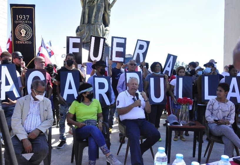 Decenas piden la destitución de Lisandro Macarrulla