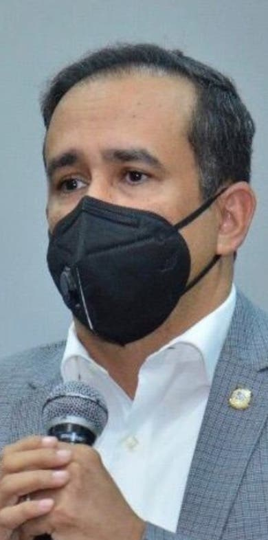Diputado dice obras de Santiago no se licitaron