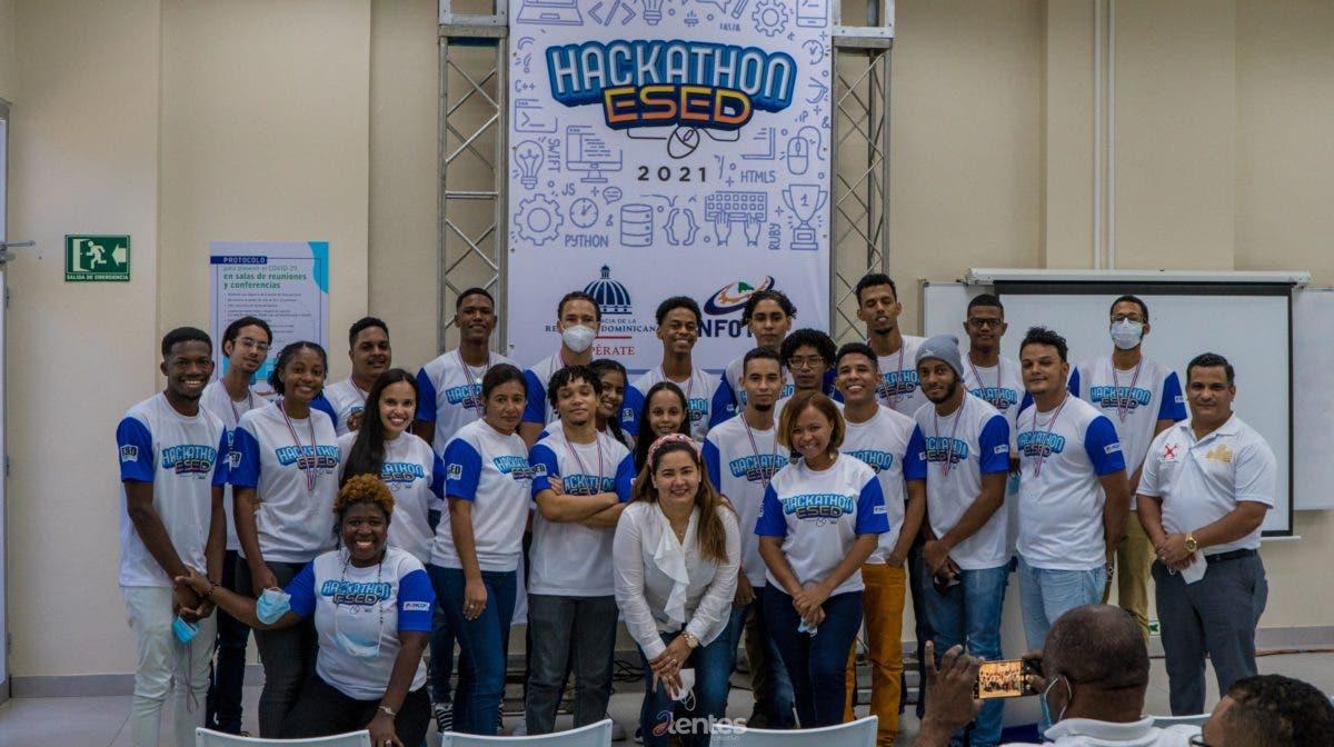 Hackathon, espacio para apoyar talento humano