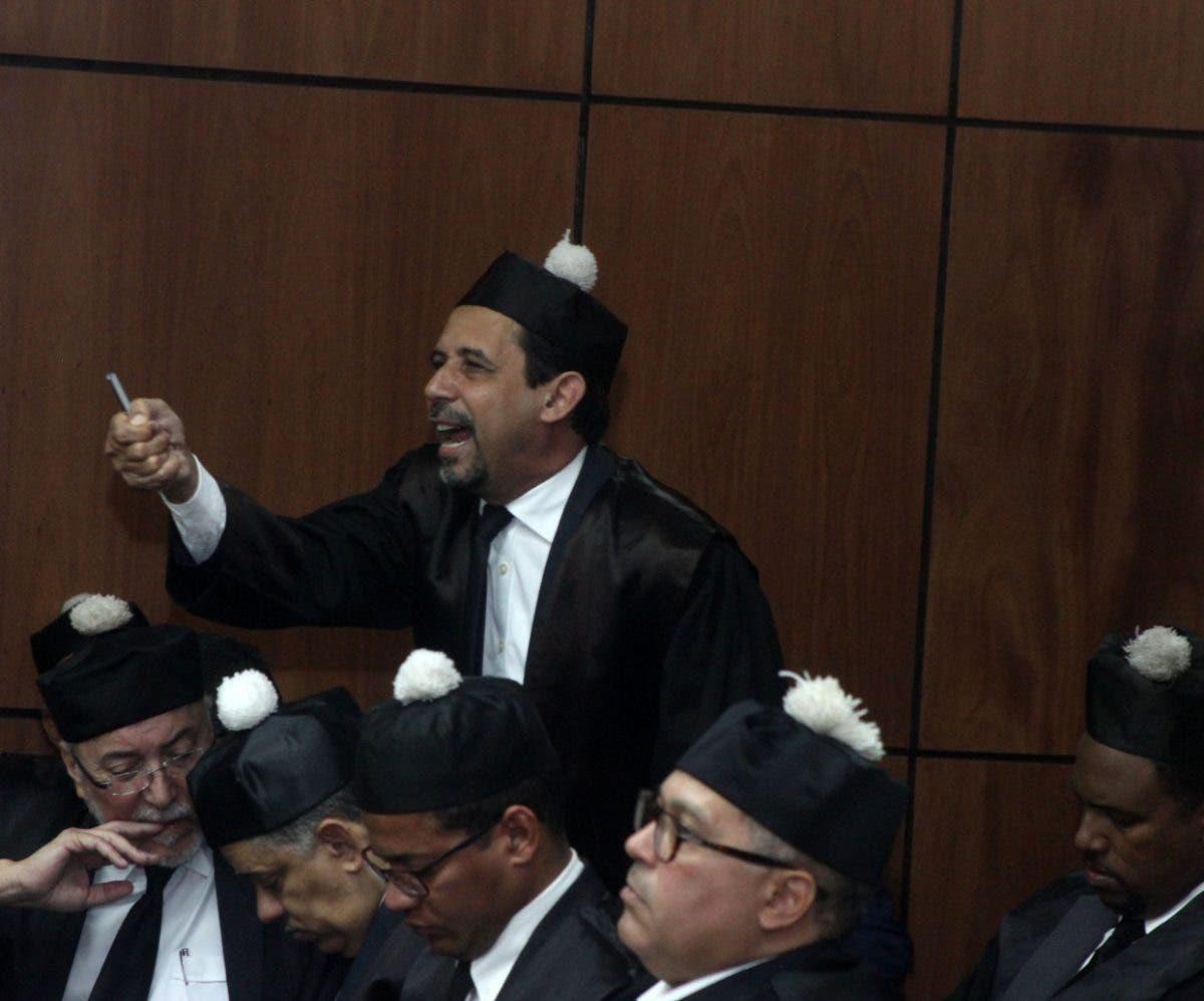 Defensa Pittaluga dice acusación es defectuosa