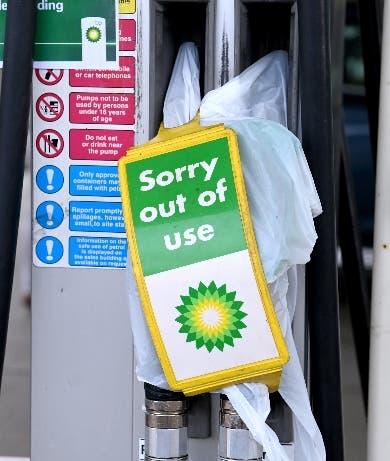 Escasean combustibles y productos en Gran Bretaña
