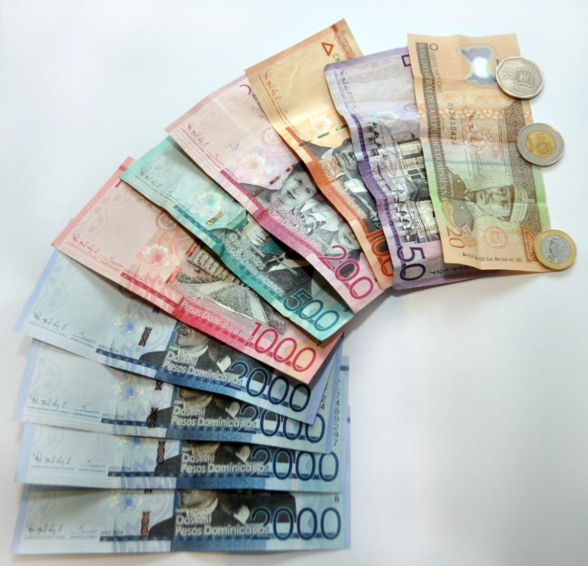 Insta a Banco Central a adquirir deuda en pesos