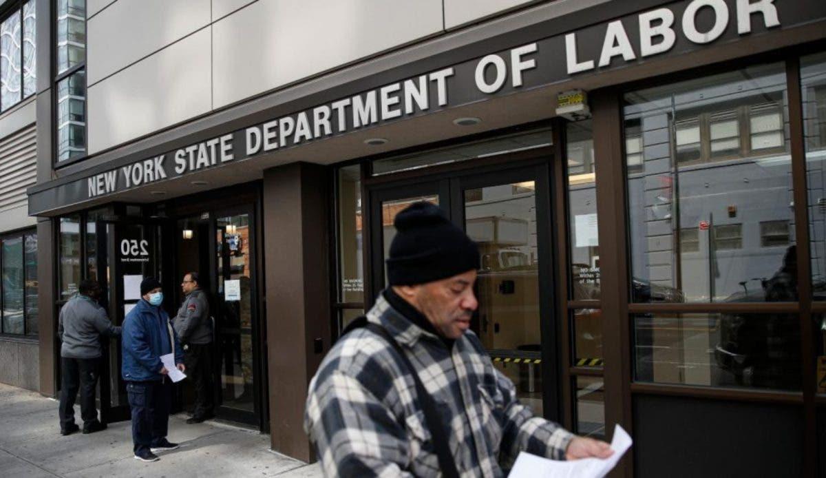 Empleadores latinos de E.E.U.U. se baja sueldo para pagar a la plantilla