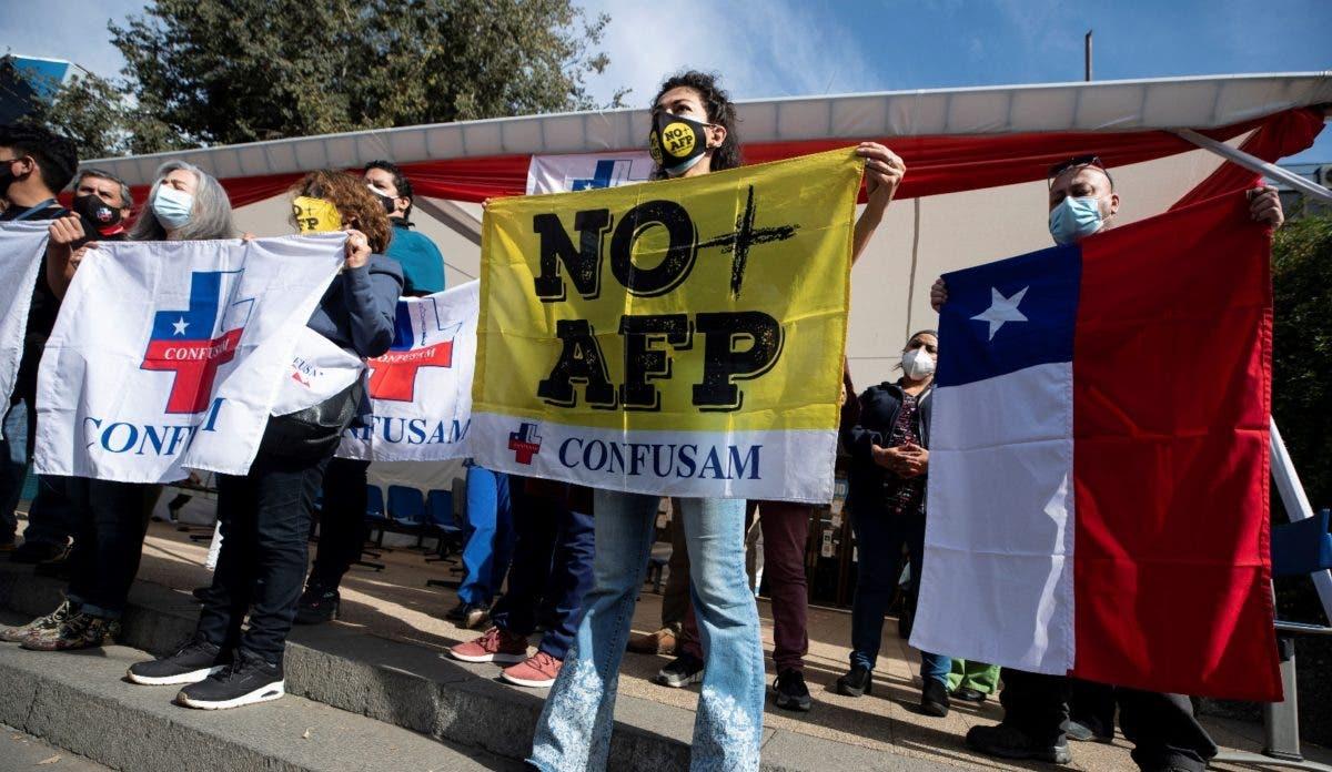 Chile eliminará exenciones para financiar pensión