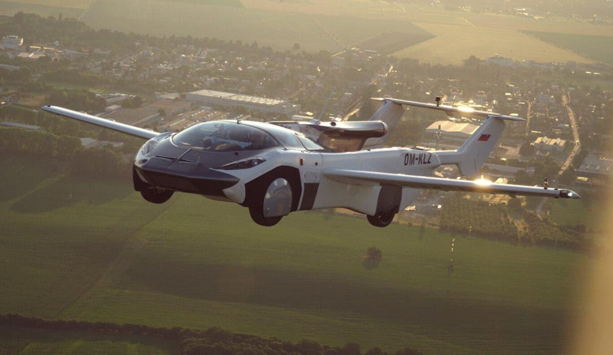Venta de coches voladores podría llegar en el 2024