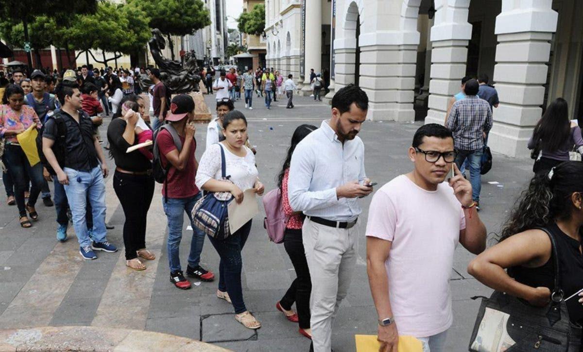Detallan plan fiscal y reforma laboral Ecuador