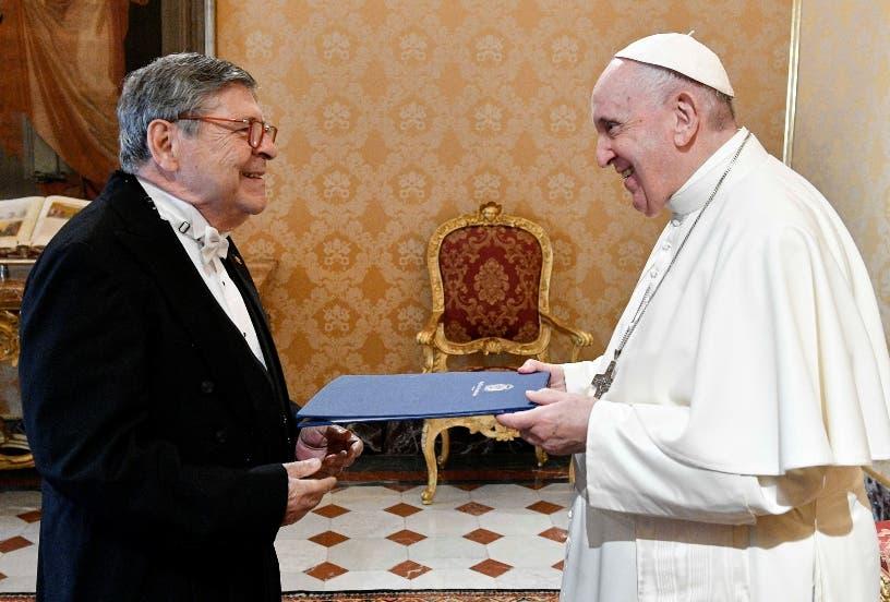 Papa recibe credenciales a embajador R.D Santa Sede