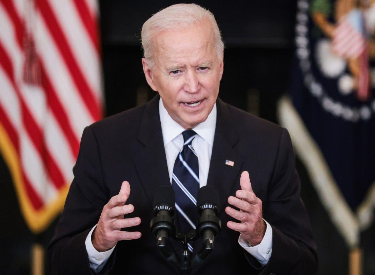 Biden dice a no vacunados paciencia se está agotando