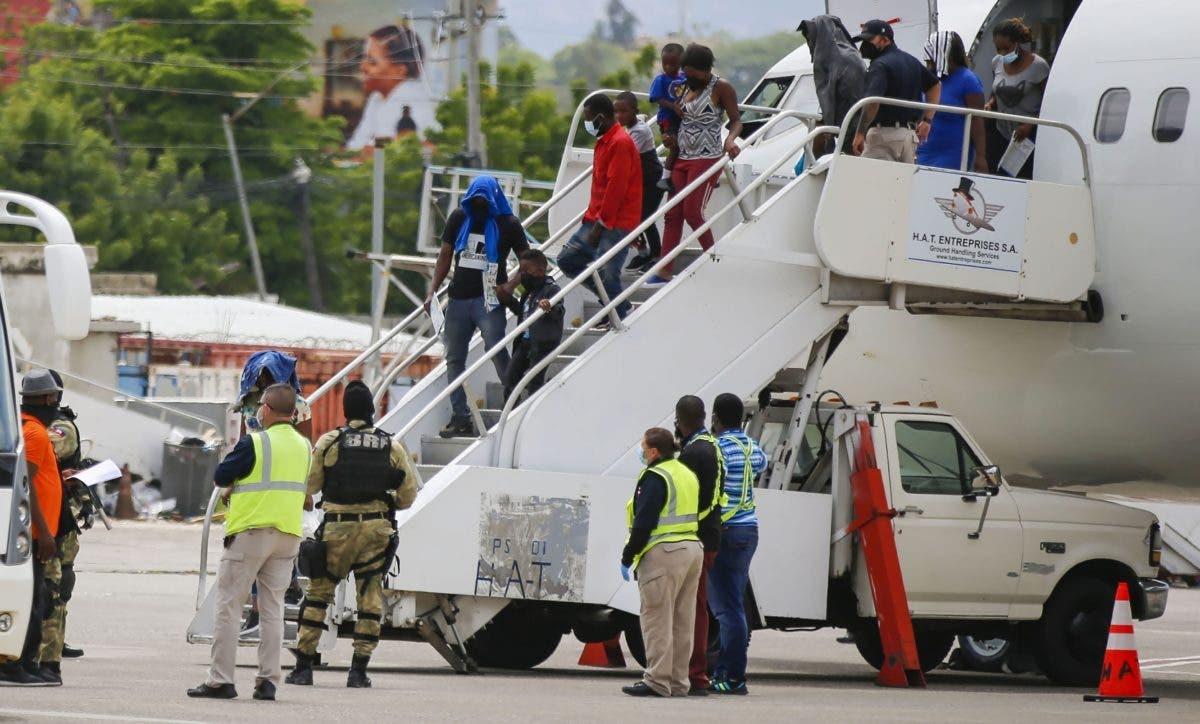 EU empieza a deportar haitianos estaban Texas