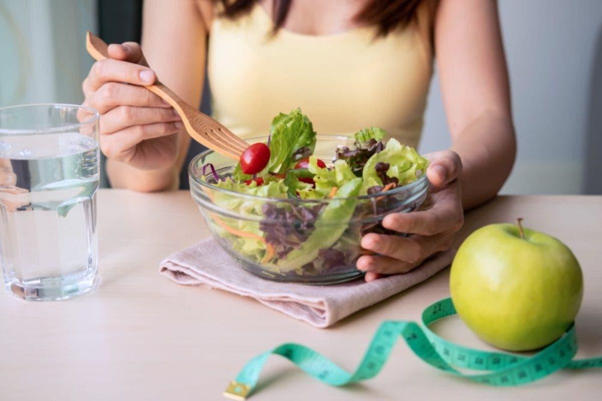 Alumnos comen más frutas y verduras tienen una mejor salud mental