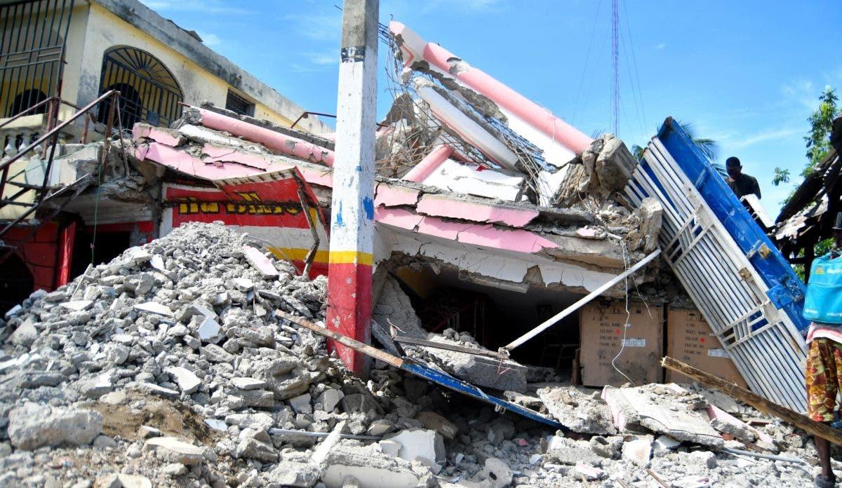 Sur de Haití sigue bajo escombros a un mes de sismo