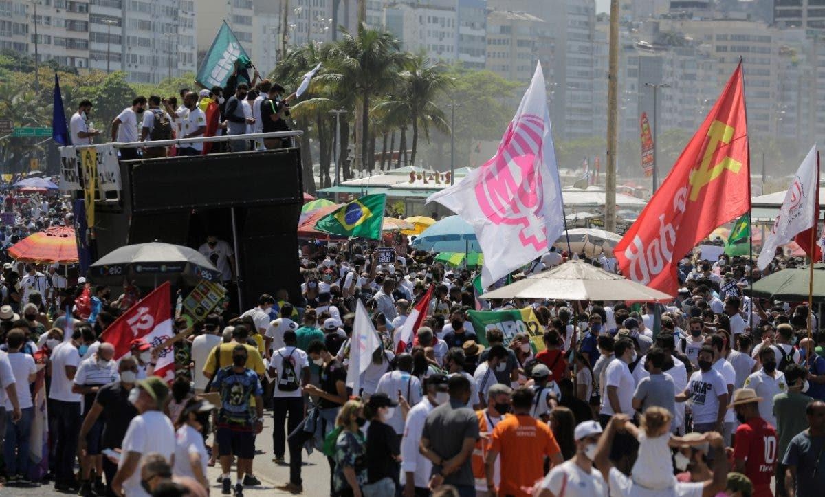 Protestan Bolsonaro tras su amenaza a instituciones