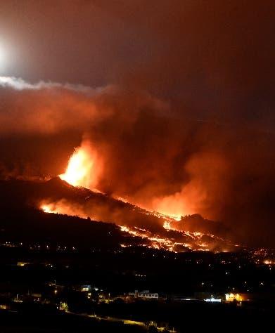 Erupción volcán isla española sigue sin heridos