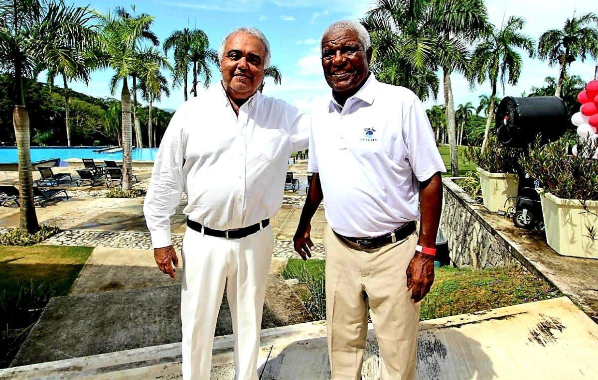 Campechano y Torres con éxitos en el golf en LR