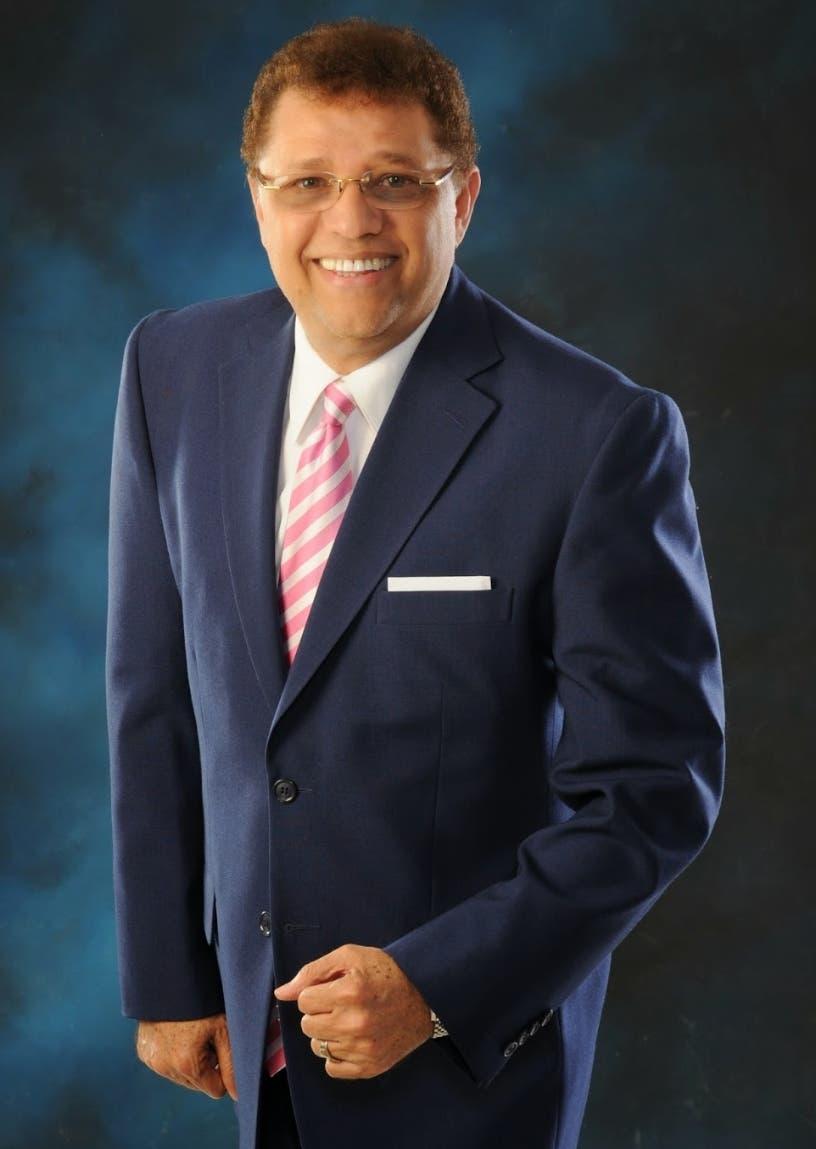 Domingo Bautista celebra apertura gradual
