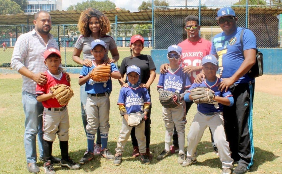 Liga Mercedes trabaja en el futuro del béisbol de RD