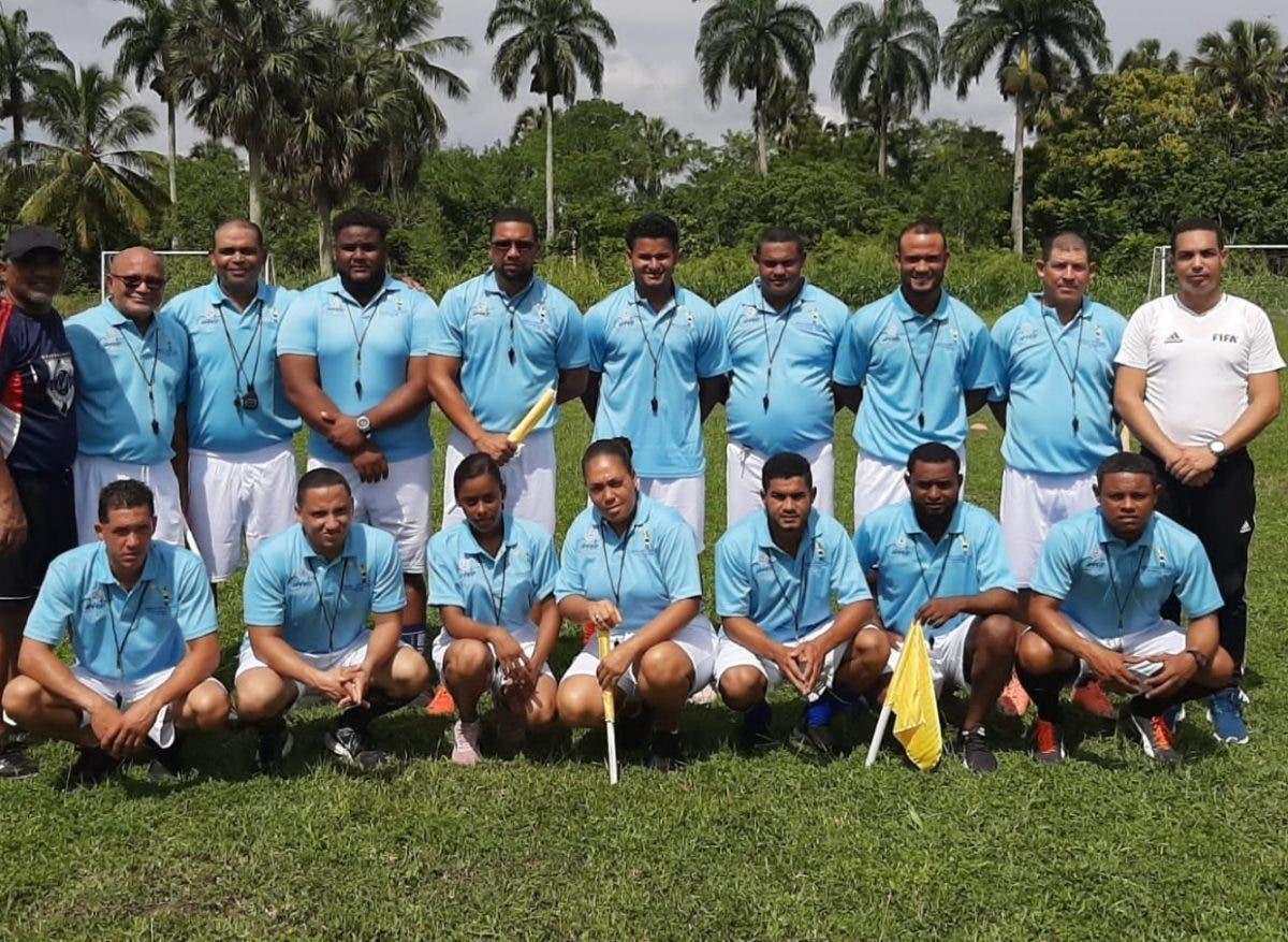 Forman primer colegio árbitros fútbol Salcedo