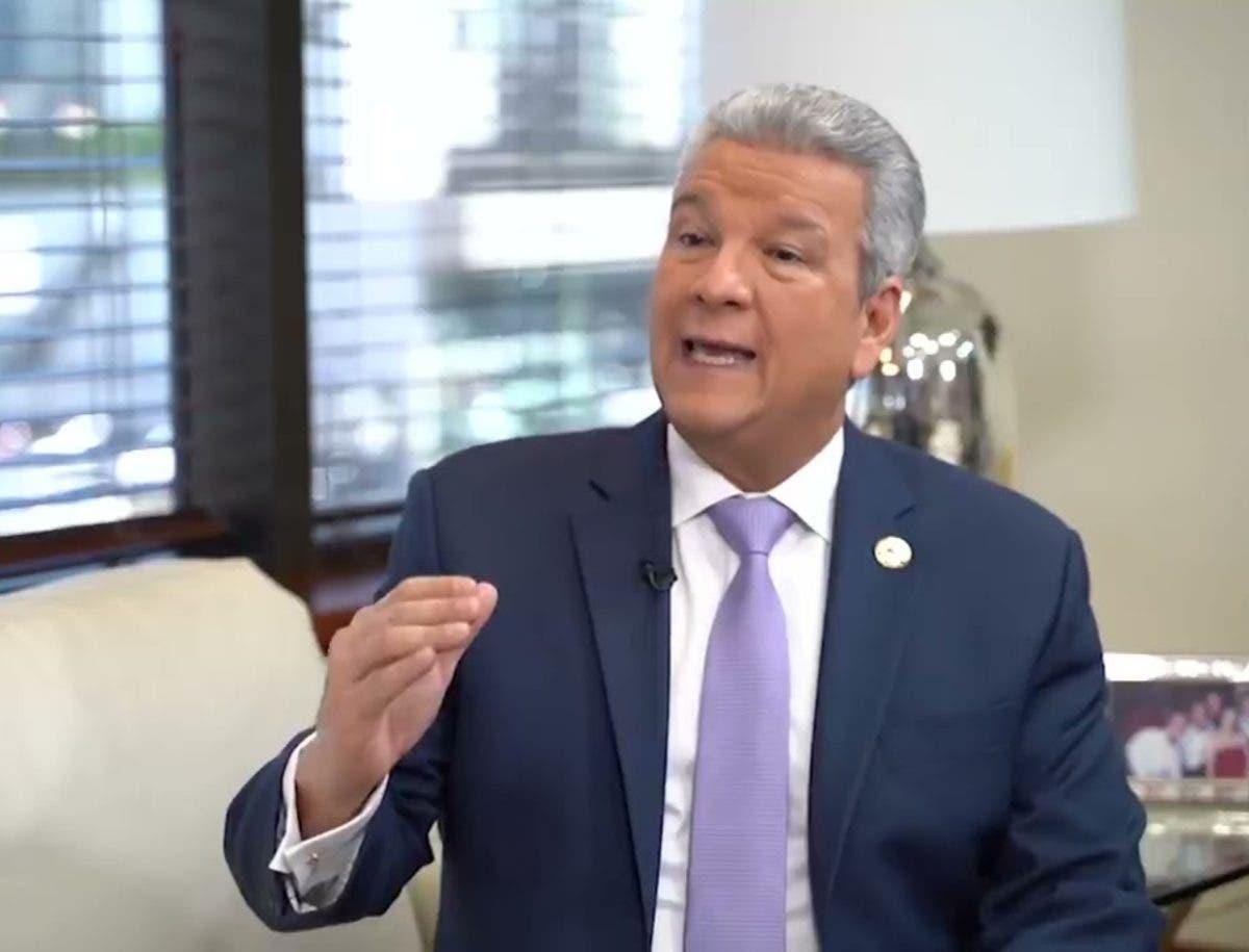 La advertencia de abogado tras querella contra el ministro Lisandro Macarrulla