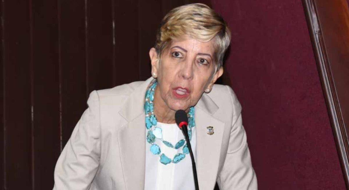 Senadora insta a Policía usar agentes asignados en casas de familia