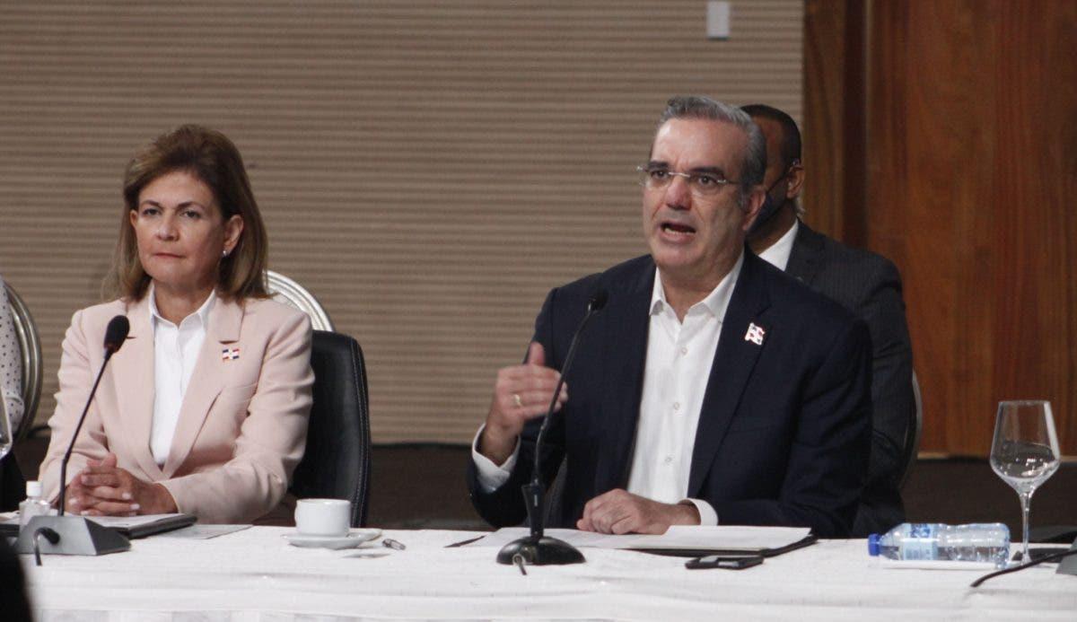 Presidente propone reducir la incidencia de partidos en justicia y JCE