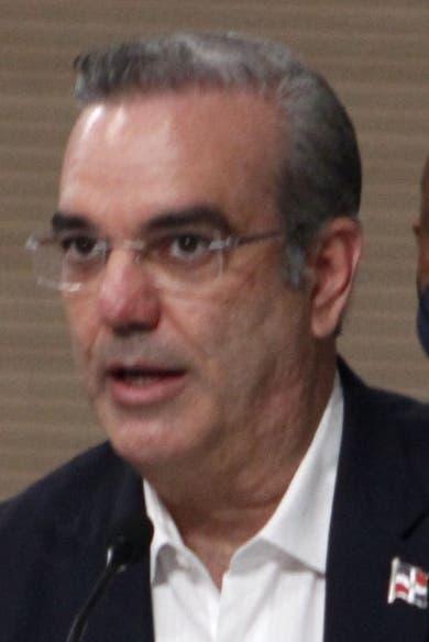 Las personalidades que discutirán las reformas que propone Abinader