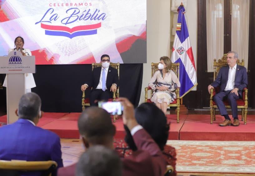 """Presidente encabeza celebración """"Día Nacional de la Biblia"""""""