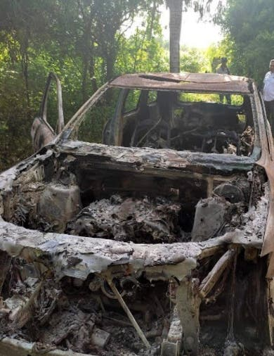 Tres hombres fueron muertos y luego quemados