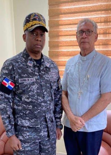 Obispo se reúne con general PN