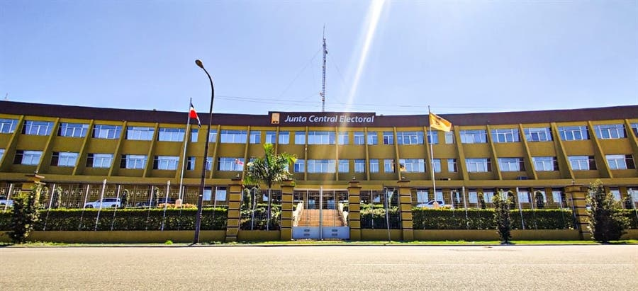Centro Juan XXIII pide JCE vigilar fondos partidos RD