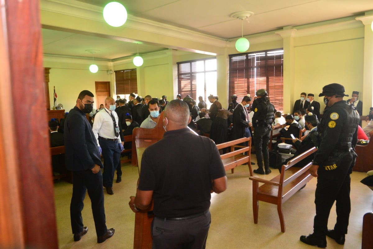 Caso Falcón: En receso, abogados de encartados se quejan por condiciones del tribunal
