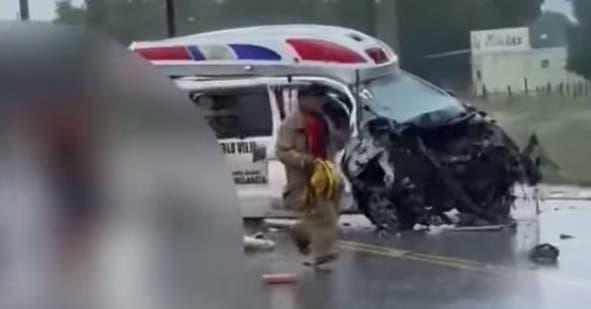Narran cómo murieron tres personas en accidente con ambulancia en Azua
