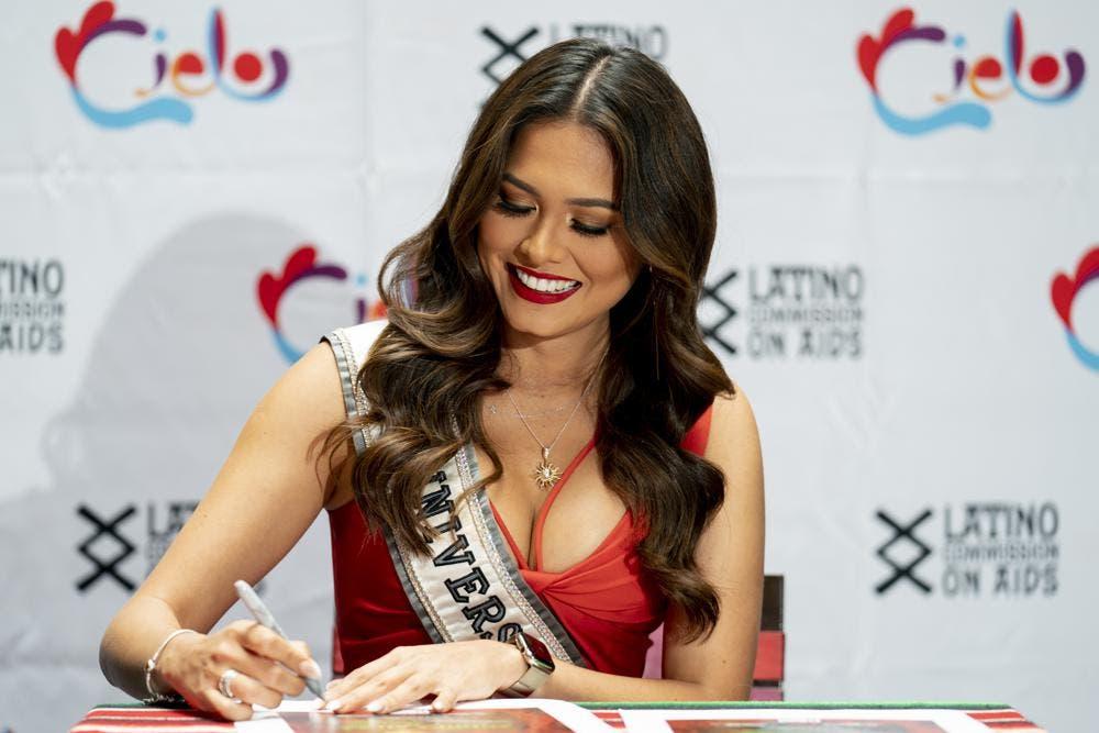 """Miss Universo decidida a """"aprovechar"""" corto reinado"""