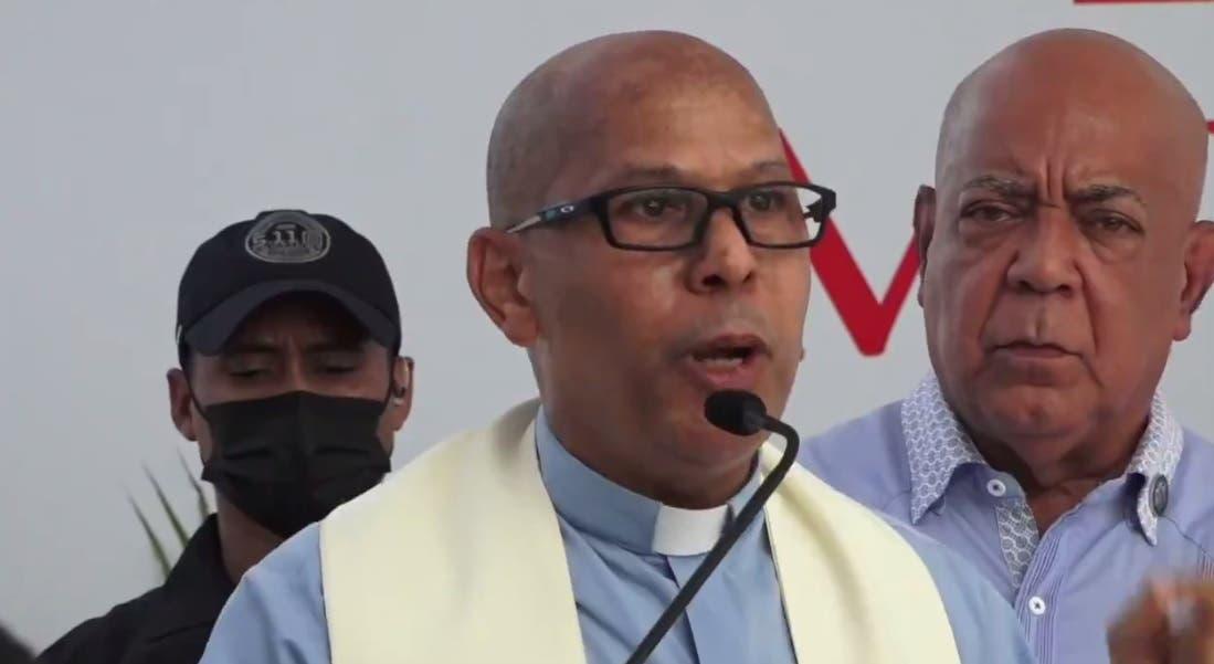 Video: Párroco exige a Abinader busque solución a la delincuencia: «Ni cerca del Palacio estamos seguros»