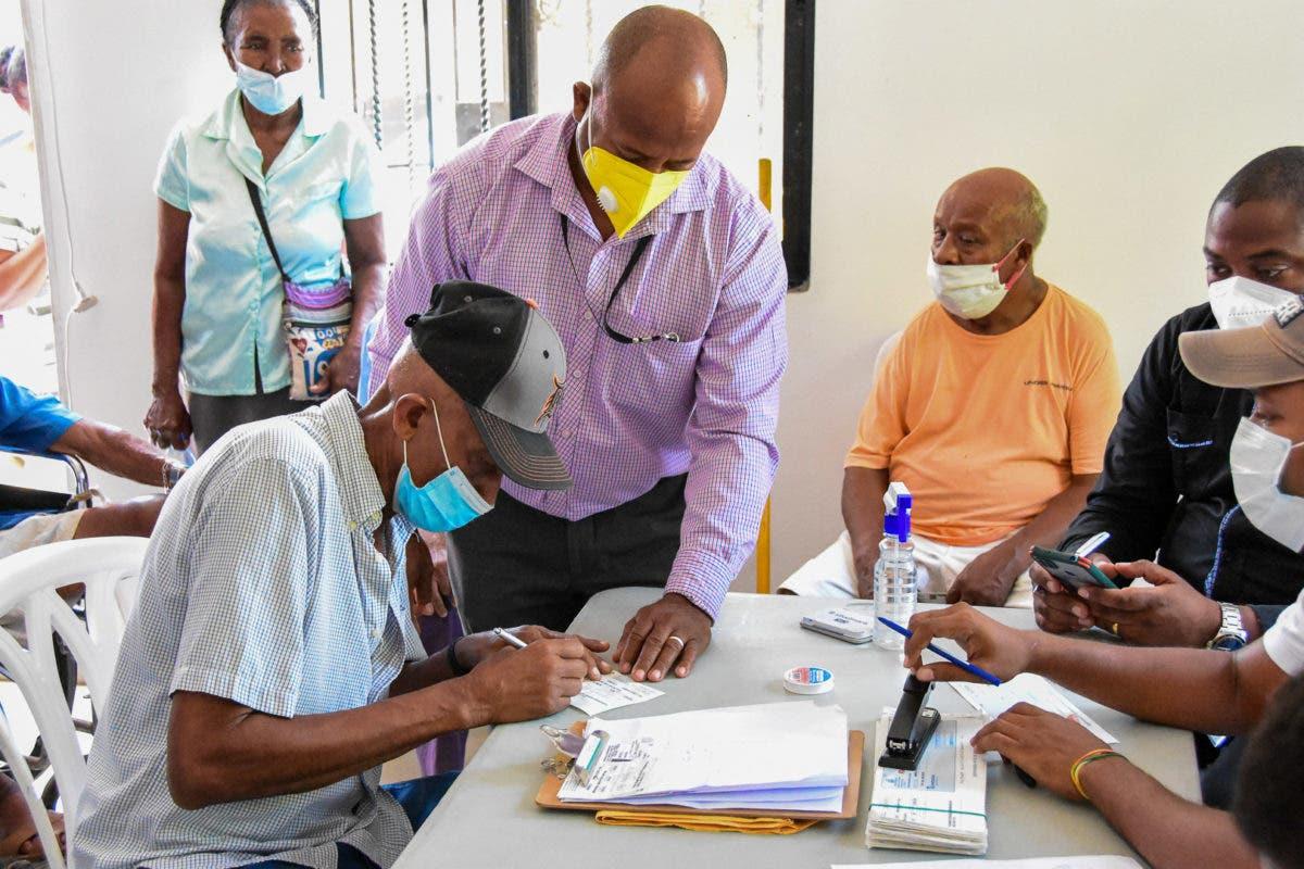 Realizan pago con cheques a trabajadores portuarios en diversos puntos del país