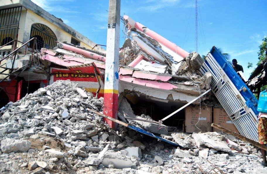 El sur de Haití sigue bajo los escombros un mes después del terremoto Milo Milfort