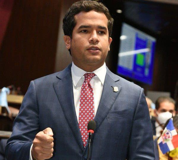 Omar Fernández: «advertencia de la JCE no aplica en la Fuerza del Pueblo»