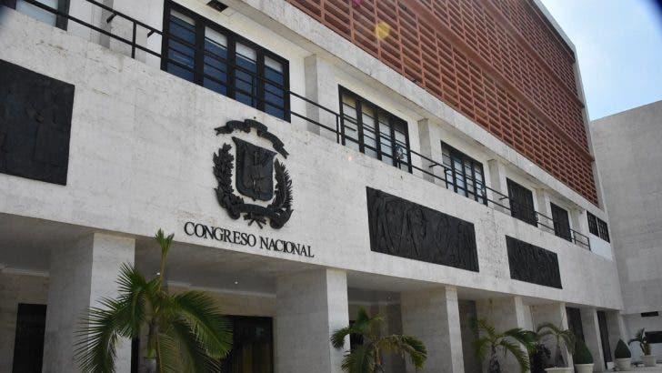 Procuraduría puede pedir se retire inmunidad parlamentaria a legisladores, dice experto