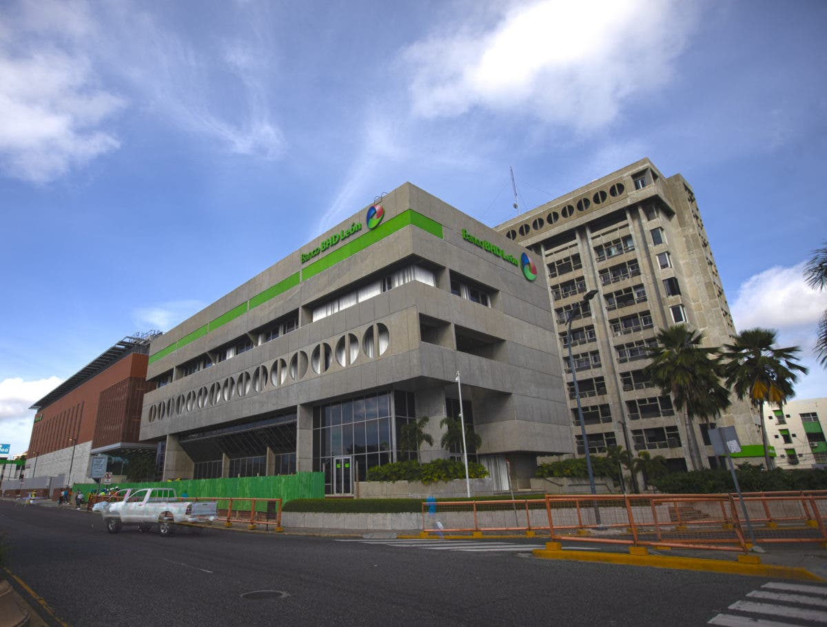 BHD León celebra 10 años de Temporada de Negocios OPEN