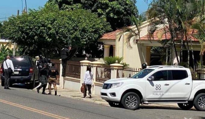 Autoridades continúan allanamientos simultáneos en Moca por caso Falcón