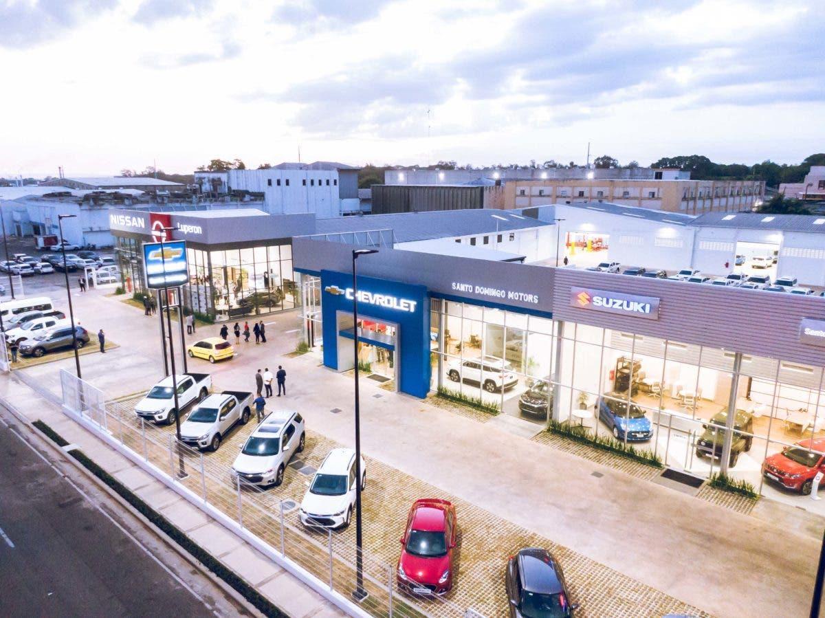 Crean 335 empleos con nueva sucursal de Santo Domingo Motors en avenida Luperón