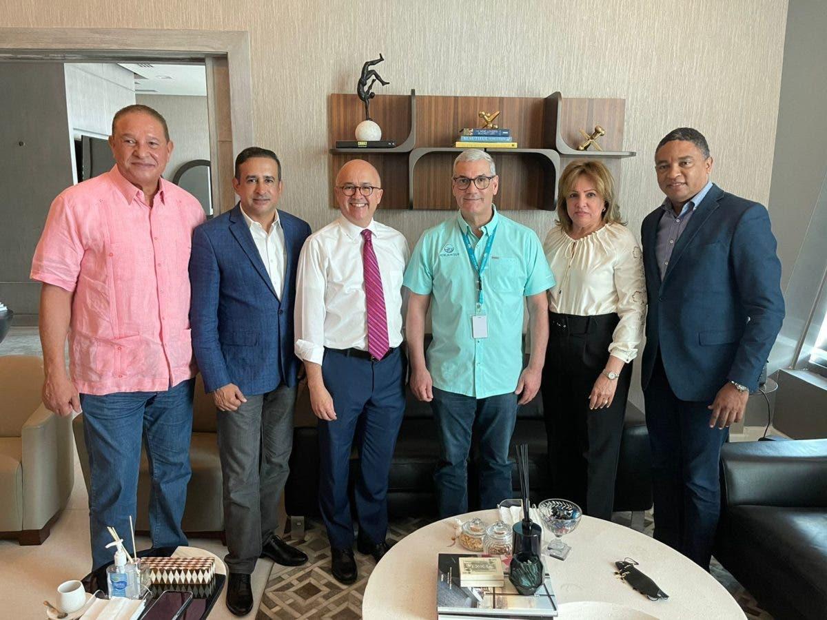 Domínguez Brito encabeza visita de cortesía a Gonzalo Castillo junto a miembros Comité Político PLD