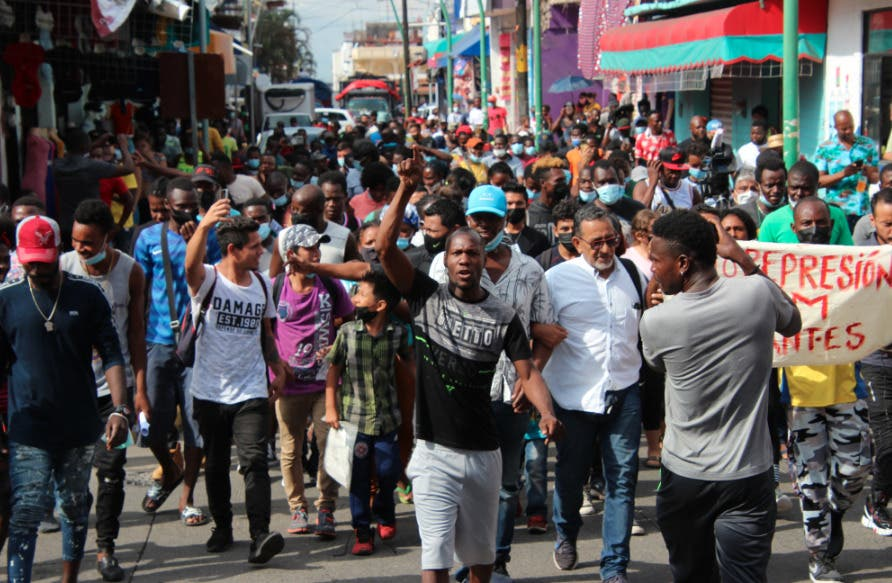 Tensión política aumenta en Haití con ceses y dimisiones de altos cargos