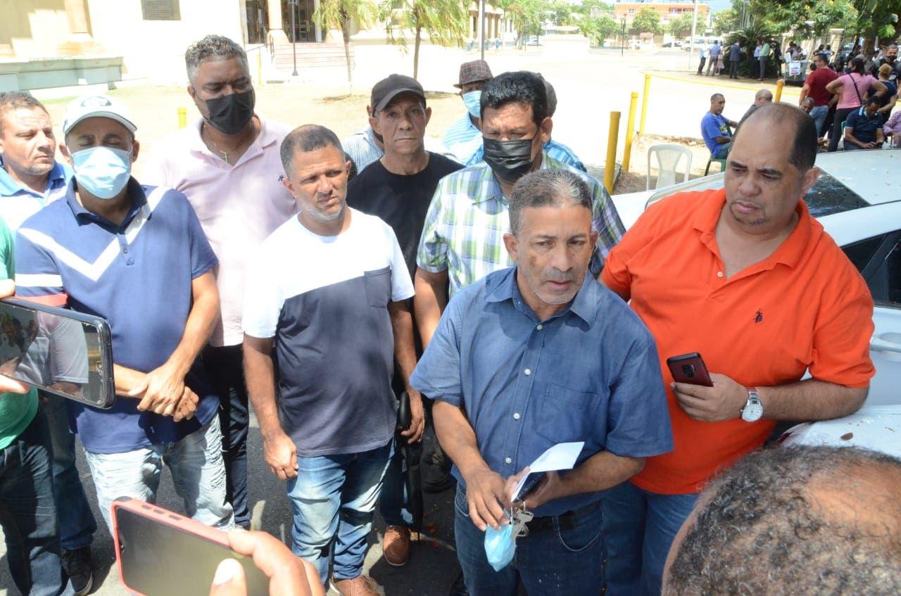 Operación Falcón: Transportistas acuden al Palacio de Justicia en defensa de Javier Tavares