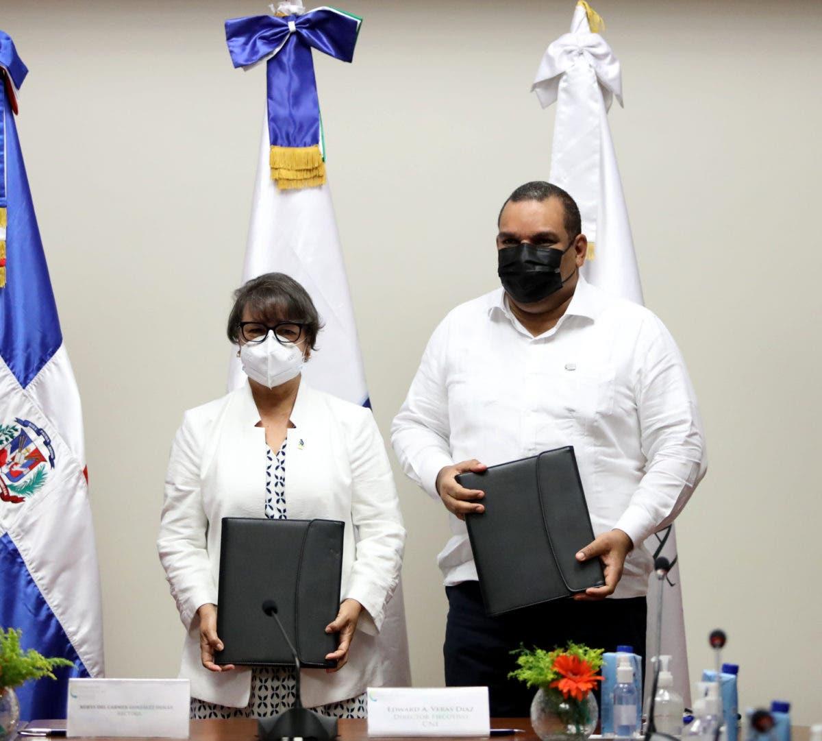 ISFODOSU y CNE firman acuerdo