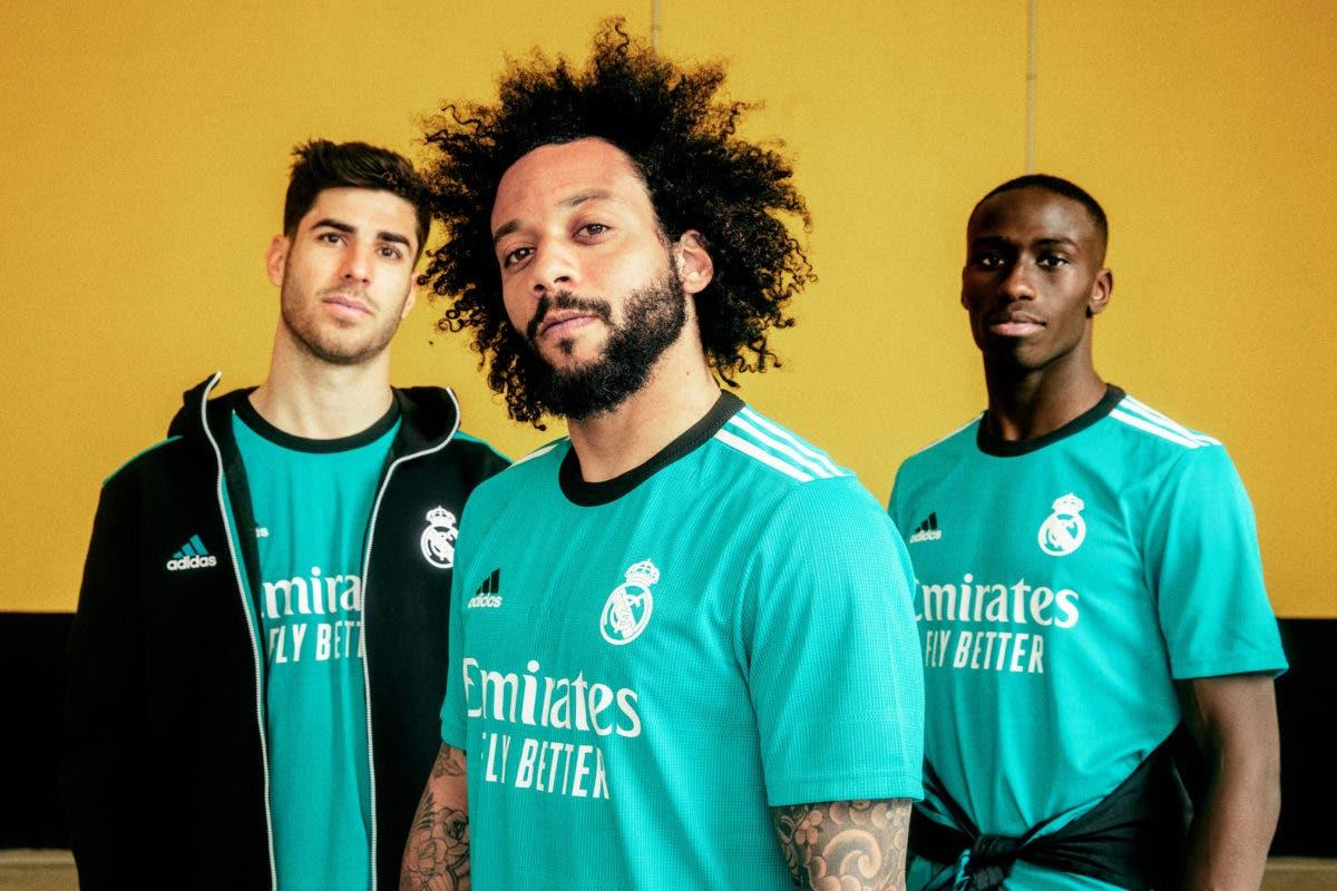 Presentan nuevo uniforme para la temporada de fútbol 2021-2022