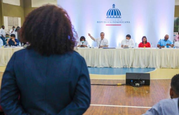 Luis Abinader anuncia reparación de 1,000 viviendas en Monte Plata