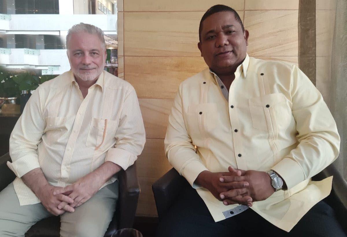 Luis Arambilet se suma a iniciativas impulsar el cine de tradición cultural para promover el país