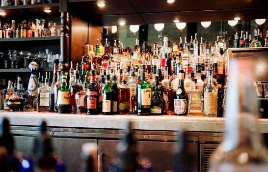 Denuncian que en drink hay «Teteo»  hasta las 4:30  de la madrugada
