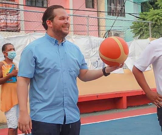 Diputado Orlando Jorge Villegas realiza torneo de baloncesto Un Nuevo Ciclo