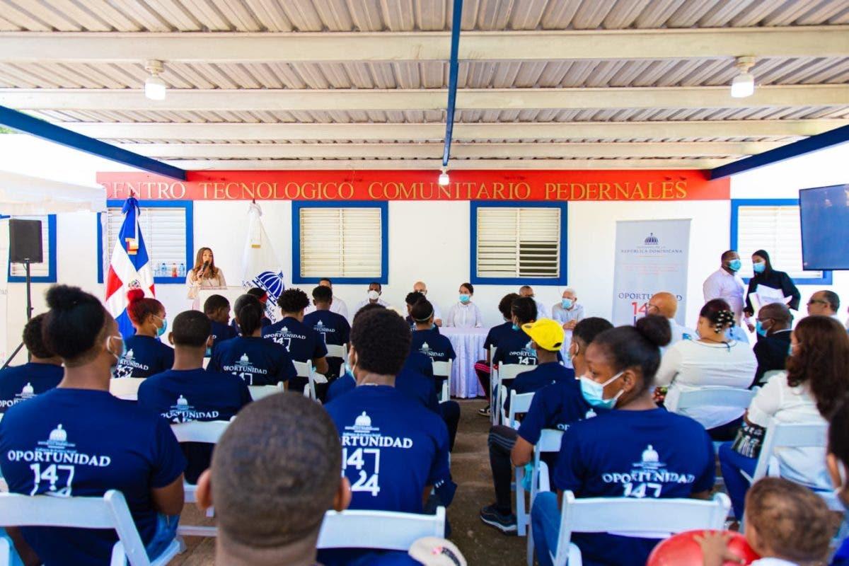 Programa busca garantizar empleos para jóvenes de la zona Sur